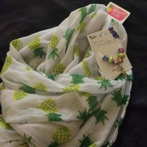 Accessories - Pineapple infinity scarf  &  set of beads